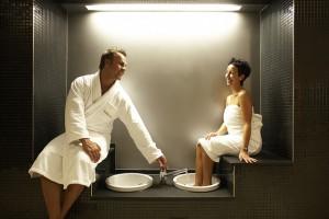 Mann und Frau beim SPA