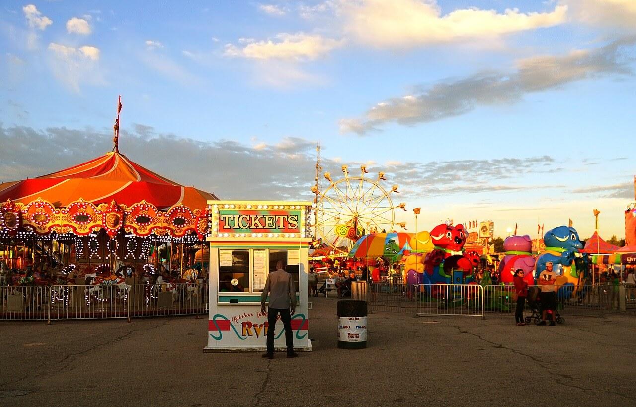 carnival-2570021_1280 (1)